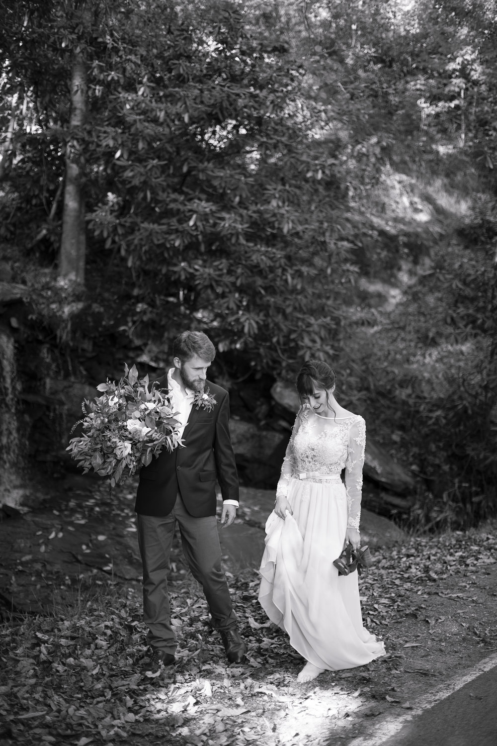 Laurel Falls Wedding October 2018_Allison and Josh__Lola Salon_Flora_Photo by Studio Misha Photography-118.jpg