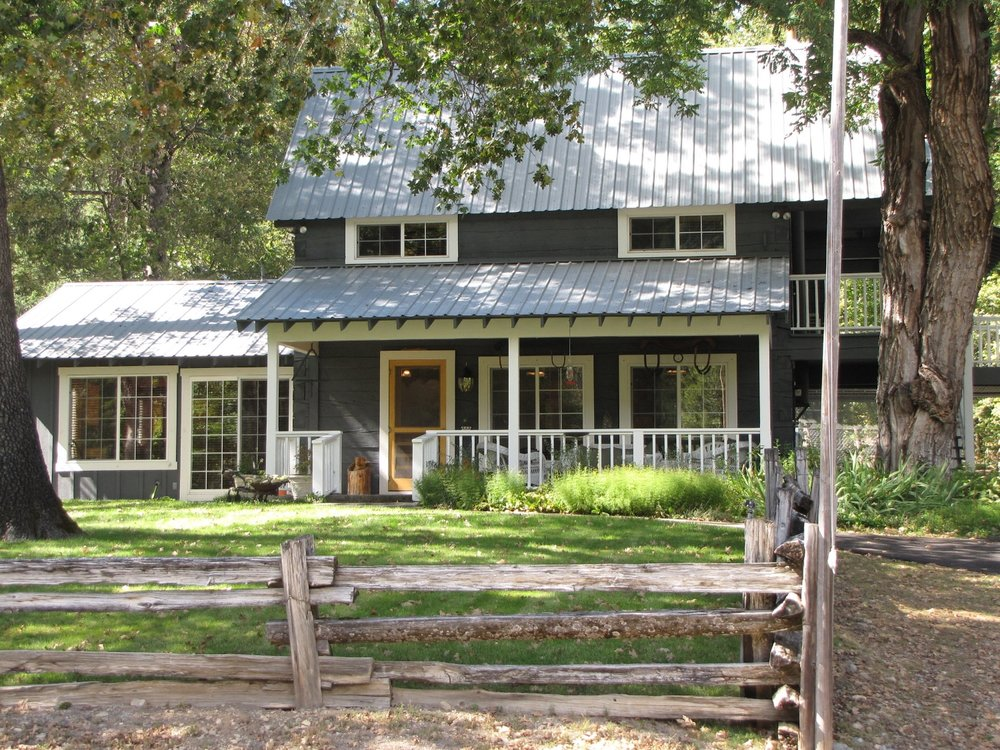 feeling-groovy-eagle-creek-ranch-log-house