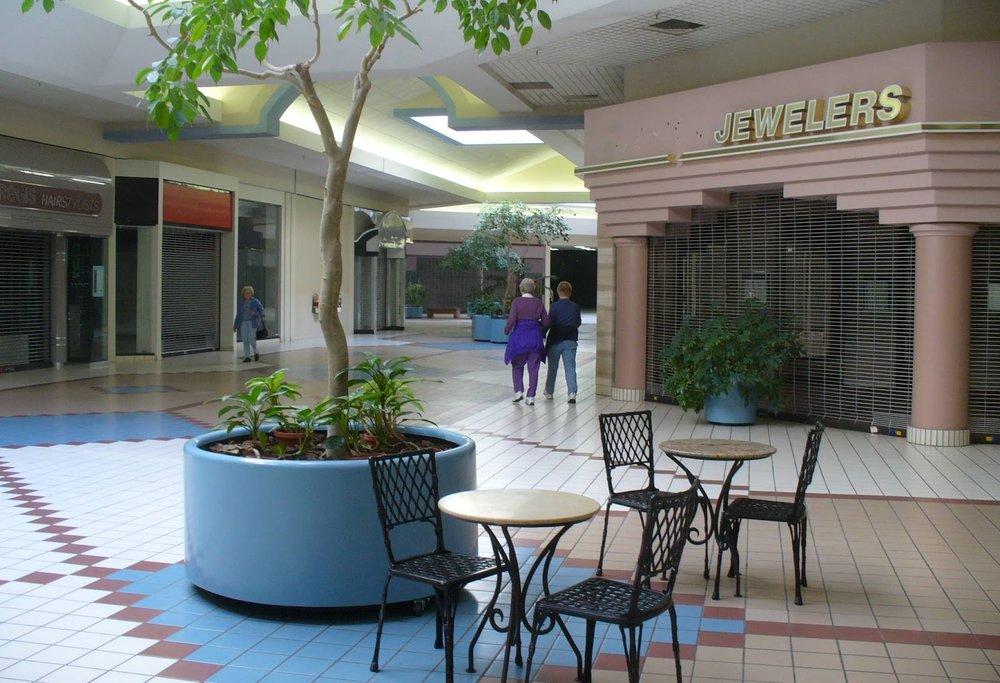 Blue Mountain Mall, 2-28-2008 (9).JPG