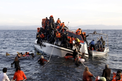 SYRIAN BOAT PEOPLE FLEEING THEIR CIVIL WAR 2015   PHOTO CREDIT:  CREDITS: GIORGOS MOUTAFIS/REUTERS