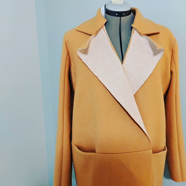 I've made some slow but steady progress on my coat and let me just say... I love sewing with wool! What's your favourite fabric to sew with?