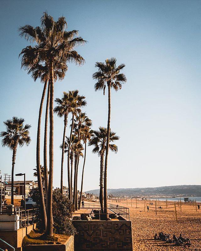 Manhattan Beach in LA 🏝⛱------- #citykillerz#moodygrams#streets_vision#shotaward#sony#urbanandstreet#theIMAGED#mobilemag#VisualAmbassadors#BDTeam#artofvisuals#createcommune#estheticlabel#heatercentral#eclectic_shotz#shotzdelight#vzcomood#meistershots#visualsoflife#sonyalpha#way2ill#fatalframes#AOV#azhuk#AGameofTones