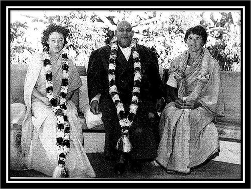 Anagarika-&-Swami-Sivanada-1962.png