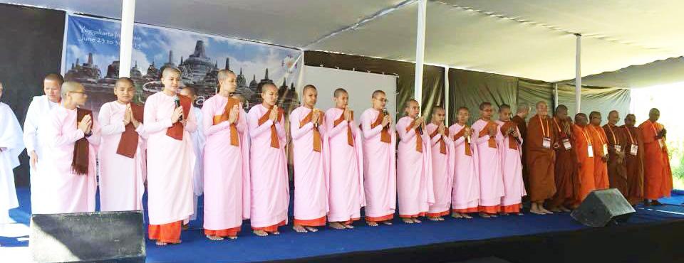 SI-opening-ceremonies-Theravada-nuns_web.jpg
