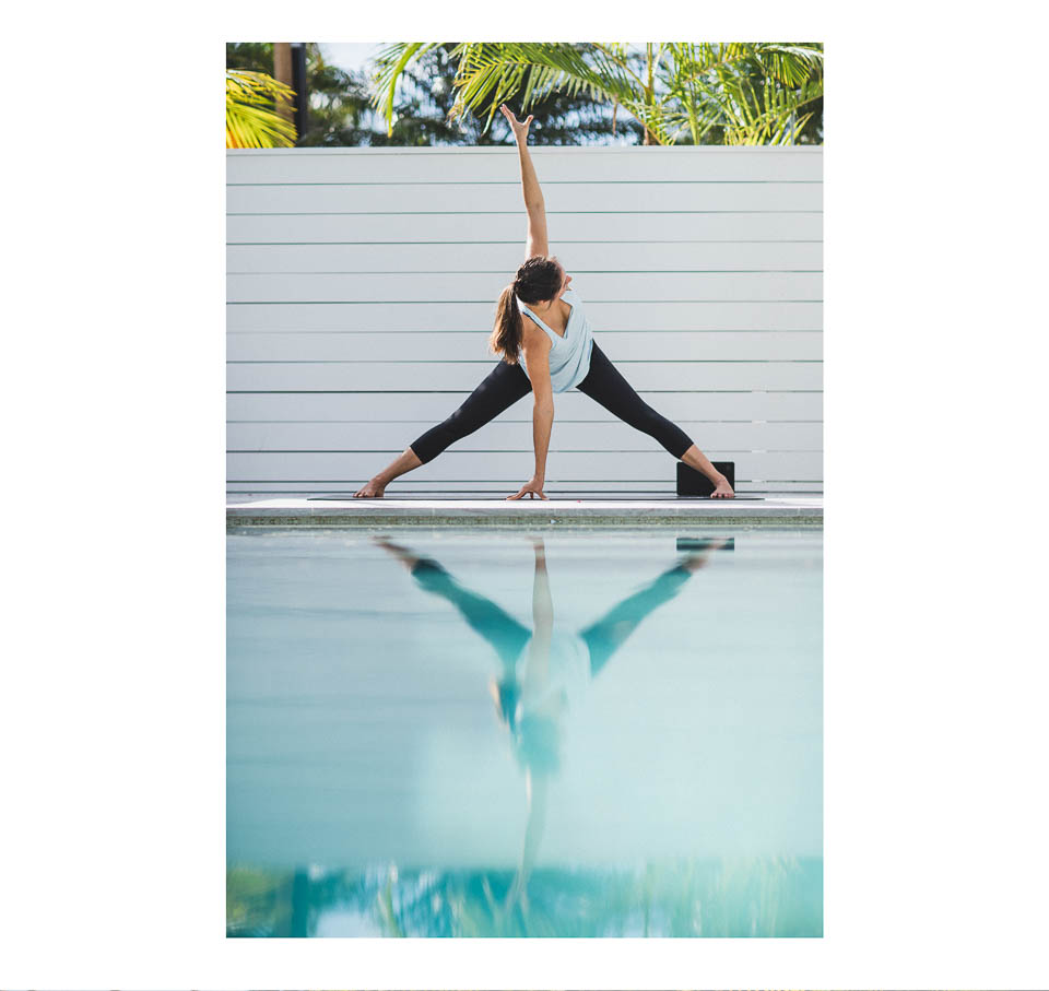 2016_wk37_UP_0307_LULU_aus_MK_Womens_Poolside_Yoga_0978-Edit-WEBsm-990px-3.jpg