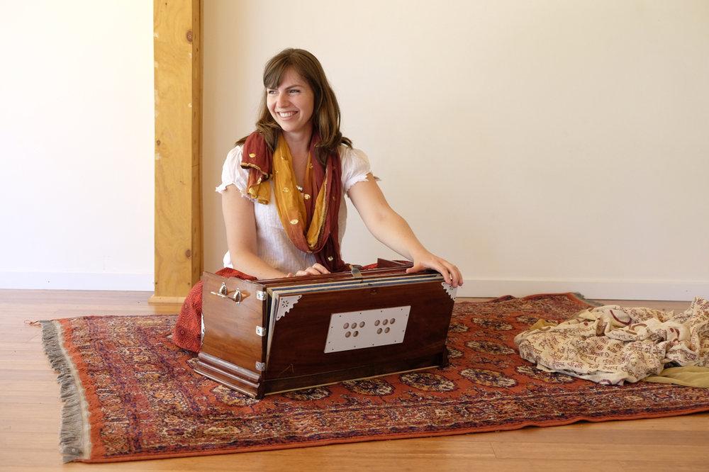 Radha Rani Yoga teacher ytt Akhanda yoga australia