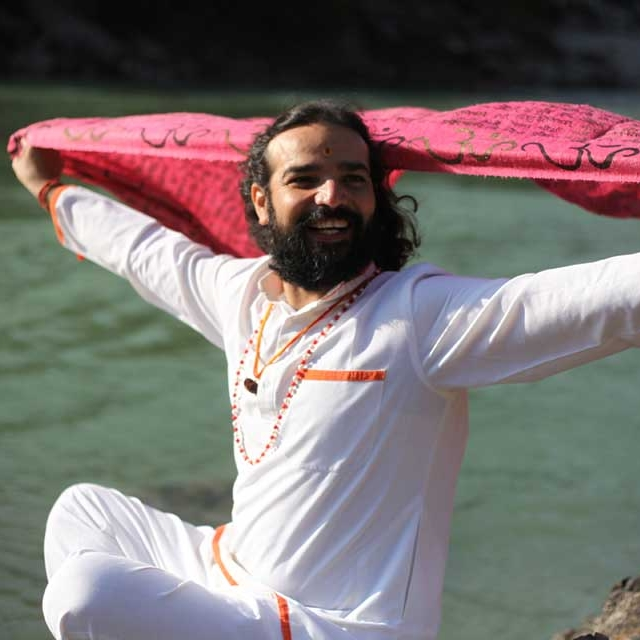 Yogi Vishva Akhanda Yoga teacher and training india