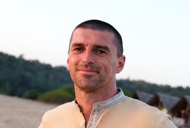 Paul Macnamara Akhanda Yoga Teacher Australia UK India