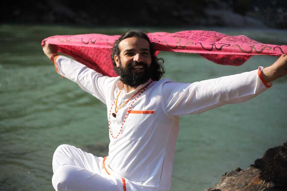 Yogi_Vishvketu_Guru_Akhanda_Yoga_Australia_3.jpg