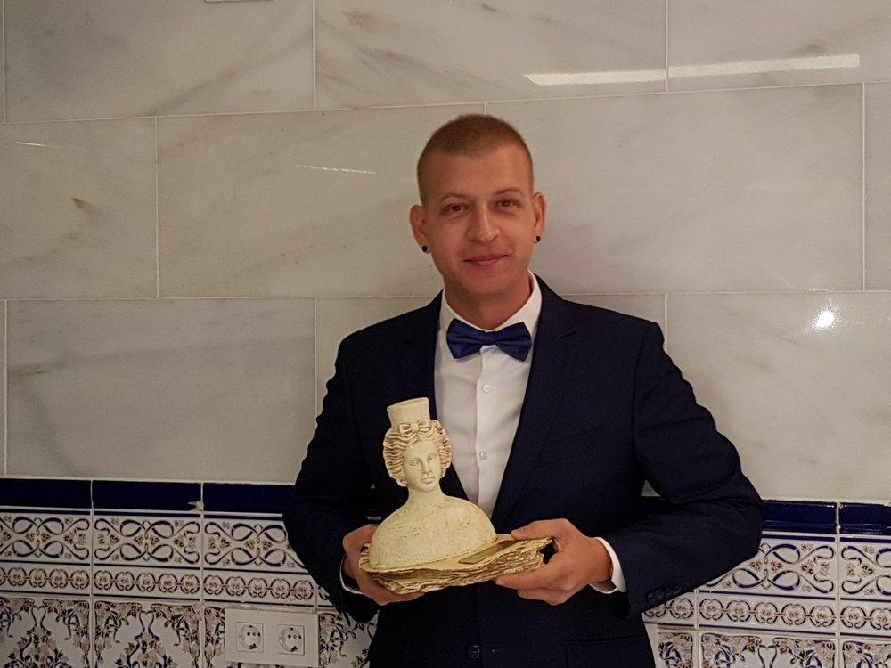 Diego de la O, director creativo de Sandel O, con el premio PRENAMO a la excelencia empresarial