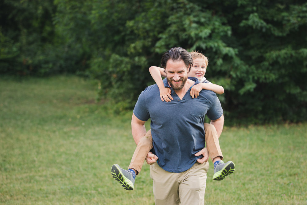 Sandra Ruth Photography Son and Dad Piggy Back Ride.jpg