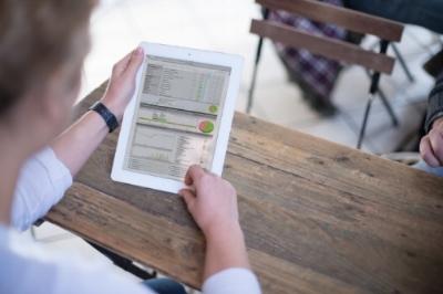 caro_tablet.jpg