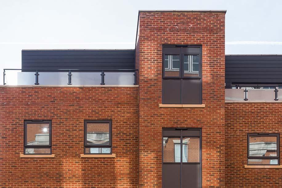 Saxbury-Reading-Aleixa-Court-Montrose-House-Serviced-Apartment-Leasing.jpg