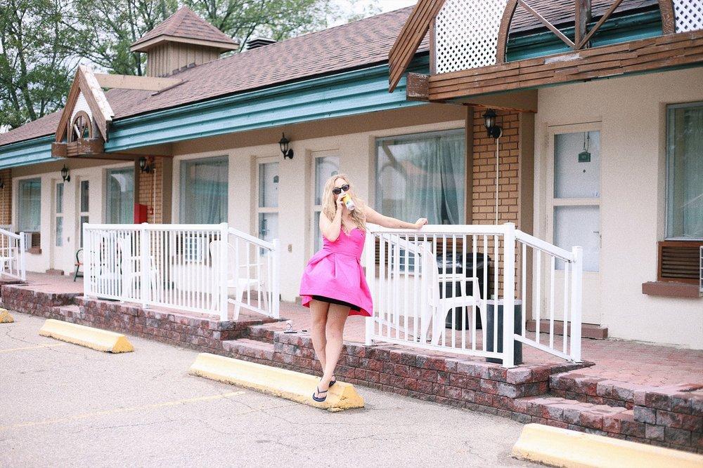 motel12.jpg