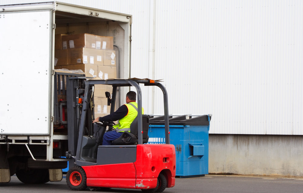 Nearly 90% of available capacity is with small carriers that large shippers do not have access to because it is not cost-effective to onboard small carriers. Sudu is hoping to change that, giving carriers more freight and shippers more options. ( Photo: Shutterstock )