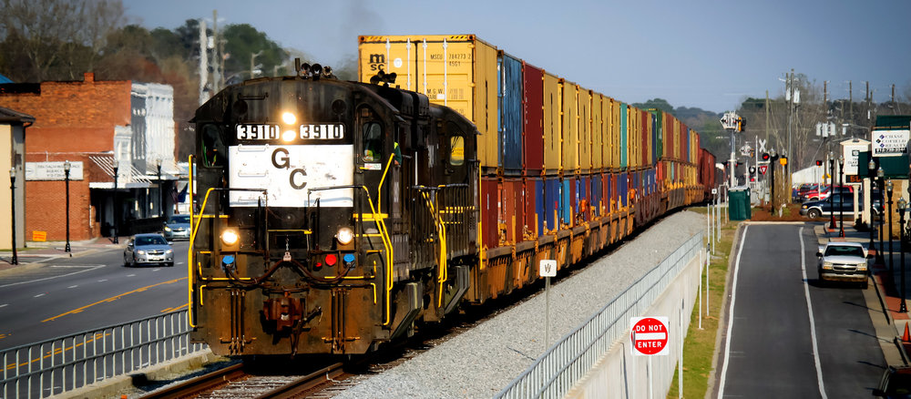 An intermodal train leaves the Georgia Inland port of Cordele.