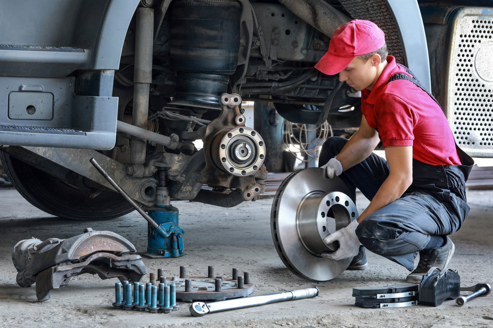 Truck repairs can sometimes cost as much as a monthly payment for a new truck. ( Photo: Shutterstock )