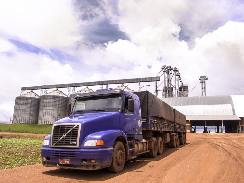 A group of ag haulers have requested a one-year delay in meeting the ELD mandate. ( Photo: Shutterstock )