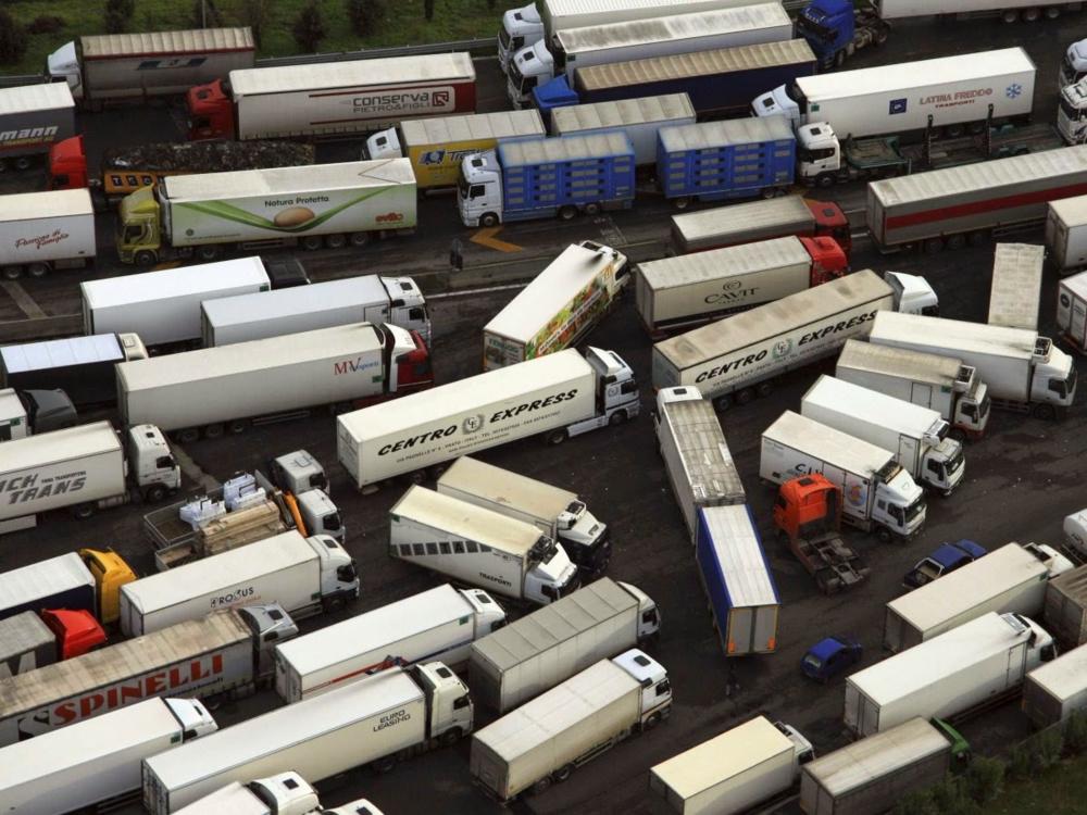 Semi-truck traffic snarled outside of São Paulo.