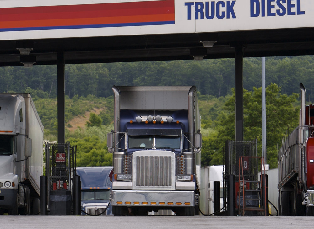 Shippers may not be paying the correct price for fuel based on the way contracts are written and fuel surcharges are applied, according to Breakthrough Fuel, which advises a market-based approach instead. ( Photo: Shutterstock )