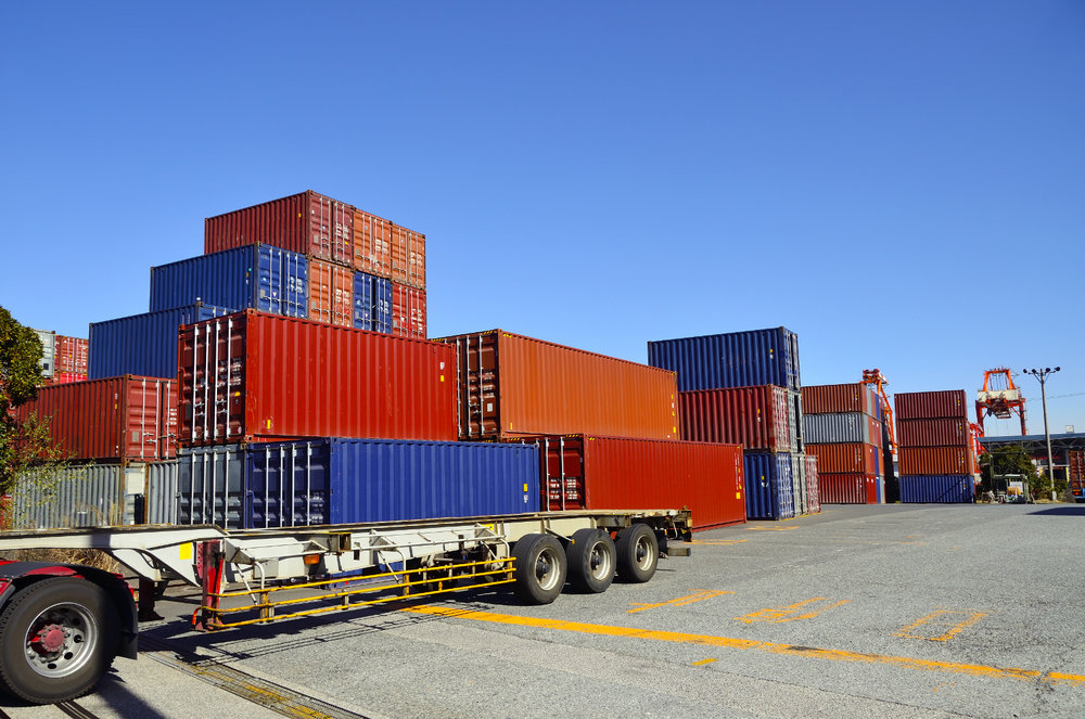 Containers move around the world on multiple modes of transport. Using blockchain to track these containers could streamline processes, including border crossings, and provide more visibility. ( Photo: Shutterstock )