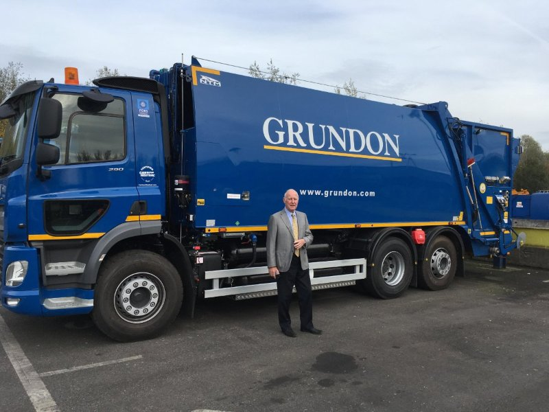 The Grundon system is a hydrogen-fueling system that is retrofitted onto a DAF truck. It is a dual-fuel system, allowing the truck to operate on diesel fuel when hydrogen is not available.