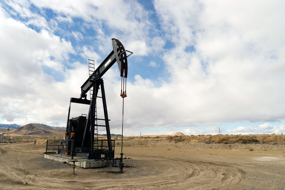 Fracking has opened up hundreds of new oil fields in the U.S., and that has boosted demand for the sand needed for operations. ( Photo: Shutterstock )