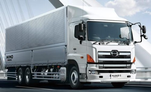 Hino will supply Ashok Leyland engine technology to help it meet new Indian emissions standards.
