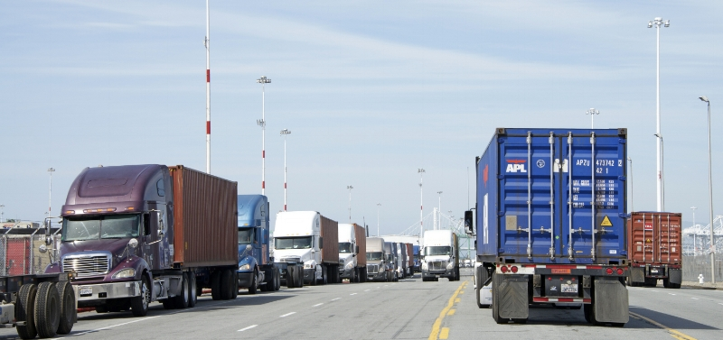 Port truckers are often independent contractors, and model has come under fire by many in the industry who claim companies take advantage of the drivers. The new tax plan could incentivize fleets to turn to more independent contractors, warns one industry expert. ( Photo: Shutterstock )