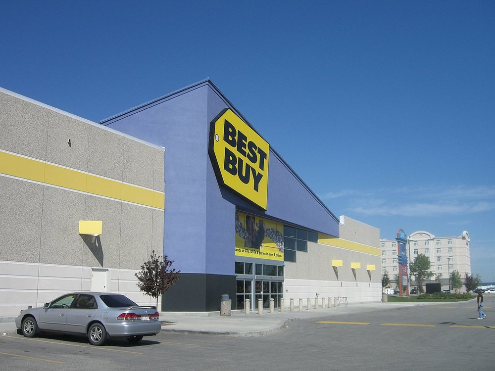 Morgan Stanley thinks that Best Buy's low gross margins and bulky merchandise make the company especially vulnerable to rising transport costs. ( Photo: Wikimedia Commons )