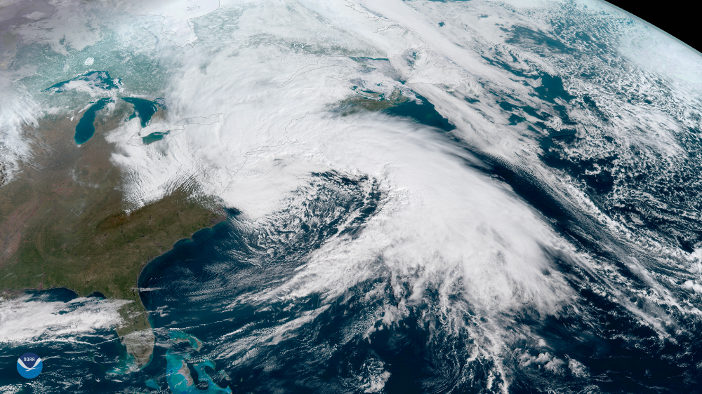 (Photo:NOAA National Environmental Satellite, Data, and Information Service (NESDIS)