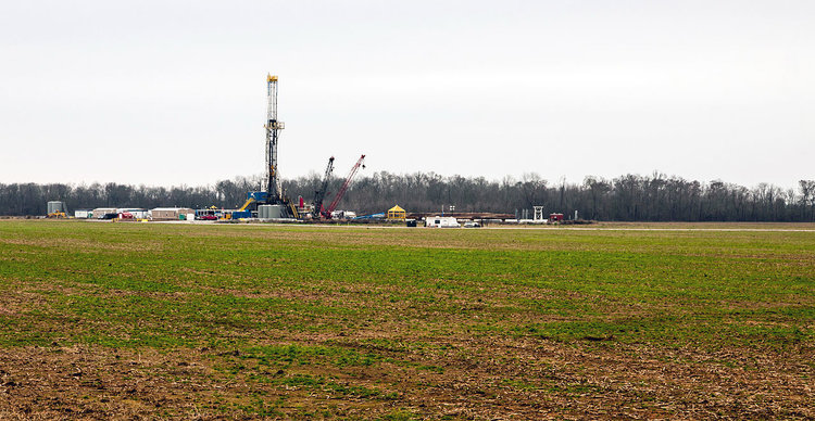 A shale gas well in Louisiana's Haynesville play. ( Photo: Wikimedia Commons )