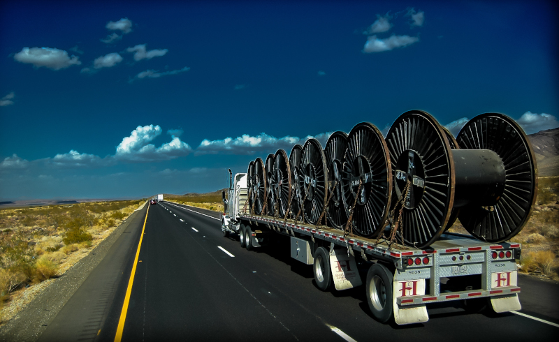 """Flatbed operations that can't take advantage of """"drop-and-hook,"""" have not recovered from the implementation of the ELD mandate. ( Photo: TruckStockImages.com )"""