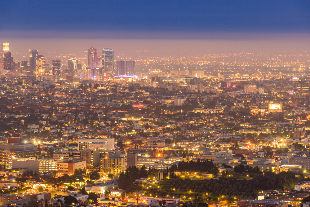Los Angeles at night. ( Photo: Shutterstock )