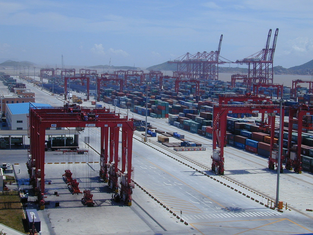 Port_of_Shanghai,_Yangshan_Deep-water_Harbour_Zone,_02.jpg
