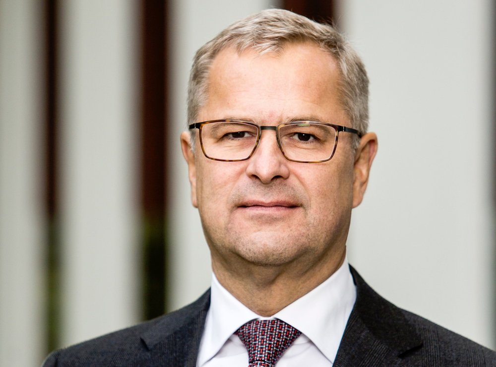 "Maersk Soren Skou says ""there's been no impact on the ground"" in tariff disputes between US and China."
