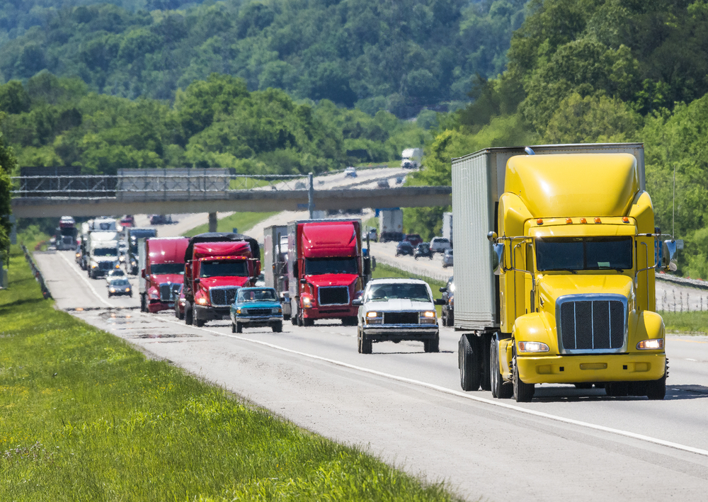 Trucks traveling on highways during periods of higher congestion face lower average speeds and longer commute times. ( Photo: Shutterstock )