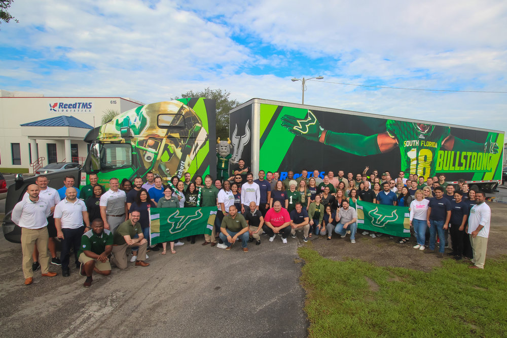 The ReedTMS staff with the South Florida dedicated truck.