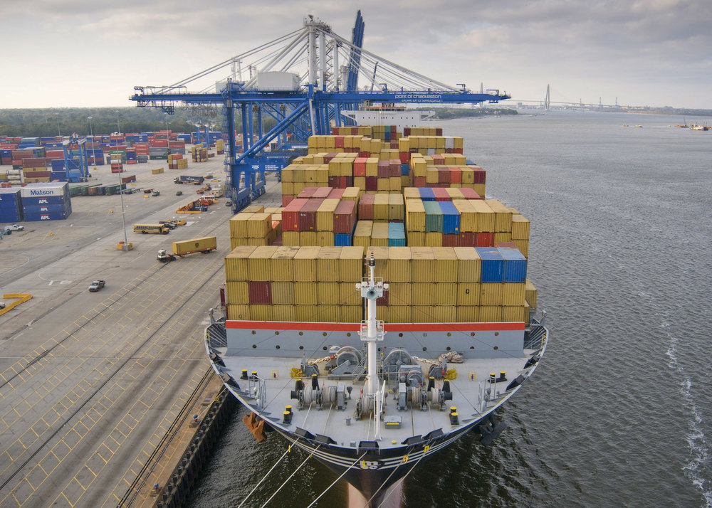 A container ship at the Port of Charleston ( Photo: Propeller Club of Charleston )
