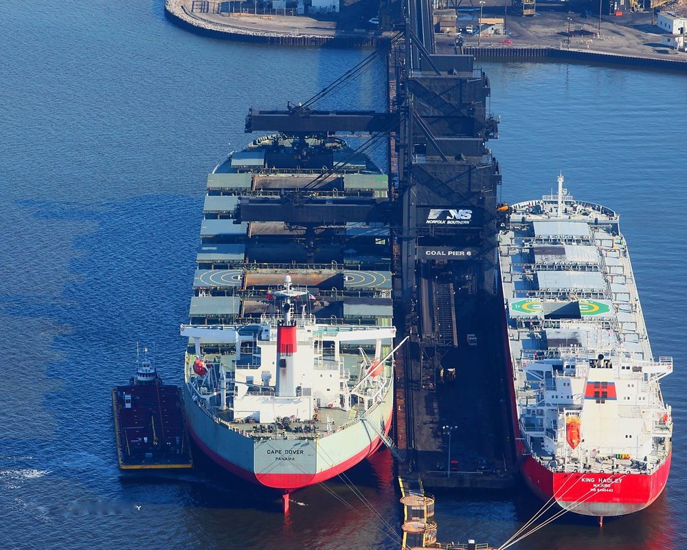 Ships at Norfolk Southern's Coal Pier 6 in Virginia ( Photo: Norfolk Southern )