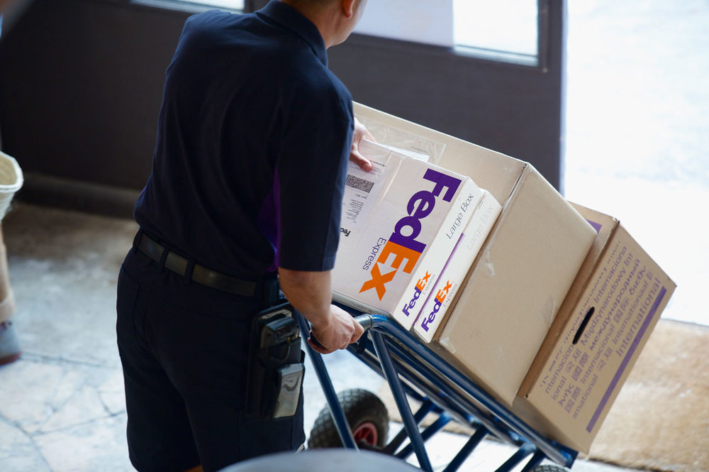 FedEx Ground will keep year-round six-day service ( Photo: FedEx )