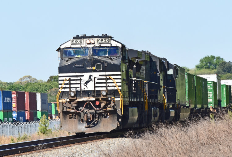 csx sues norfolk southern says access to a small key hampton roads