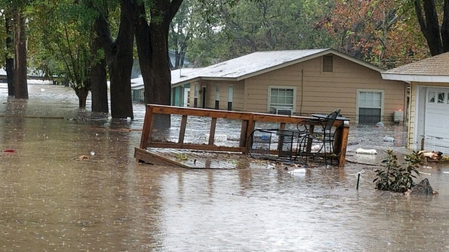Flooded homes in Kingsland, TX. October 16, 2018.  (Photo: Sara Howard via WXAN-TV)