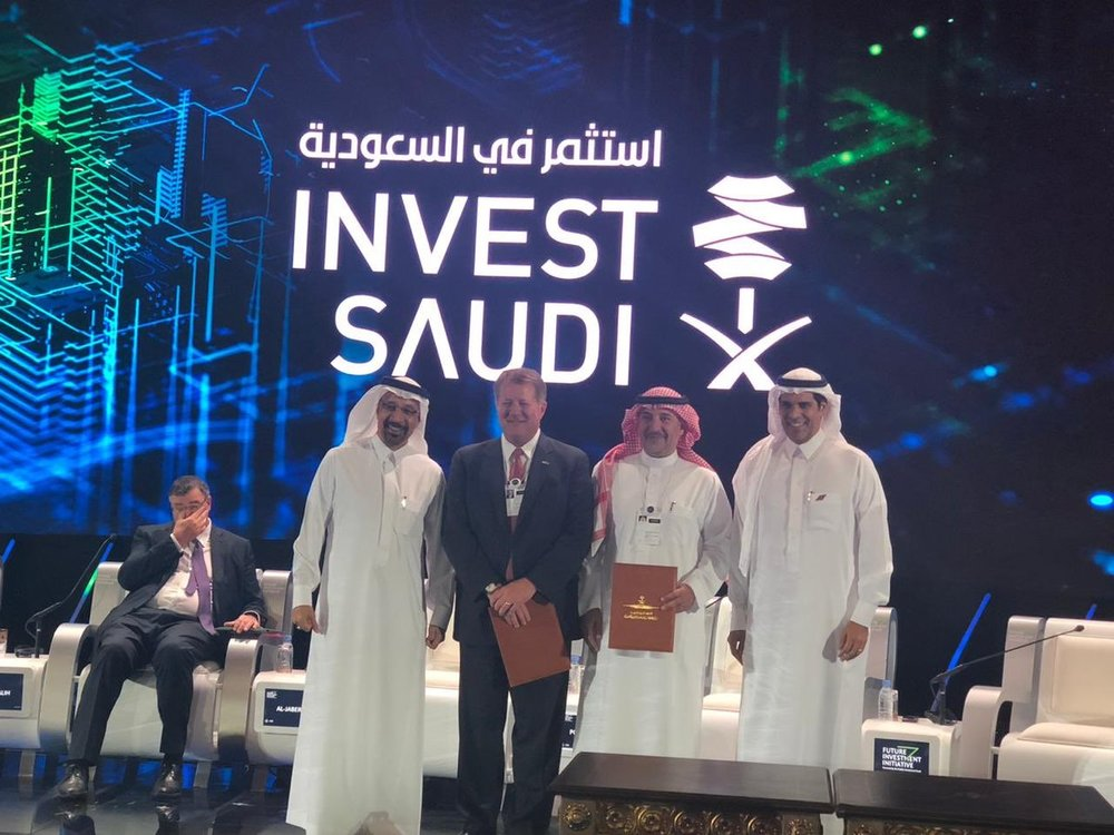 From left to right: His Excellency, Engineer Khaled Al Falih, Minister of Energy, Industry, and Mineral Resources (former CEO of Saudi Aramco); Jim Cowan, Greenbrier International president; Dr. Bashar Al Malik, CEO of Saudi Railway Company (SAR); His Excellency, Dr. Nabeel Al Amoudi, Minister of Transportation and Chairman of the Board of Saudi Railway Company (SAR). ( Photo: Greenbrier )
