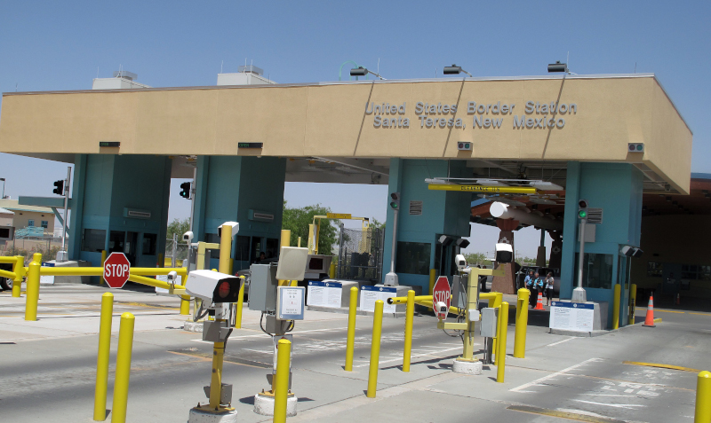 The border inspection booth at the Santa Teresa Port of Entry. The port is located in New Mexico just west of El Paso, Texas. U.S. Customers and Border Protection officials say close to 100,000 commercial trucks cross the border heading northbound each year. ( Photo: Wikimedia Commons )