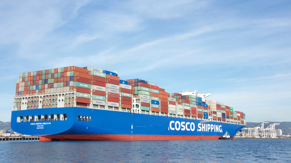 A China COSCO vessel enters the Port of Oakland. ( Photo: Shutterstock )