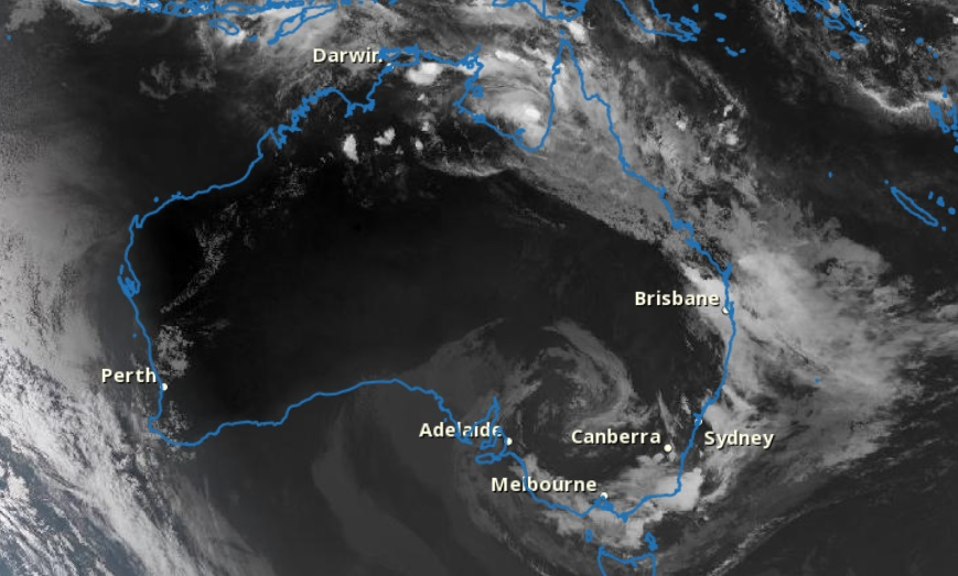 Tropical cyclone Owen is clearly visible over the Gulf of Carpentaria (the u-shaped sea between the two peninsulas of northern Australia). A low pressure trough can be seen inland in the south-eastern part of the country. Heavy clouds can be seen on the eastern coast. ( Image: Australian Government / Bureau of Meteorology.)