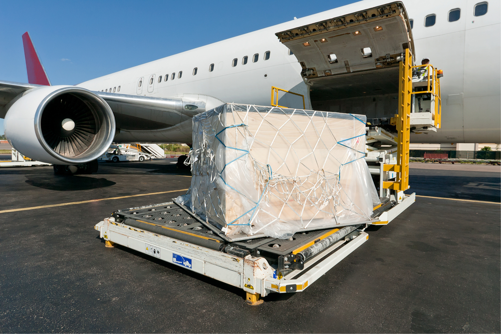 Online freight booking systems can streamline the process for booking air and ocean freight, solving several significant challenges along the way. ( Photo: Shutterstock )