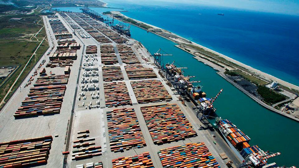 Once Italy's leading transhipment port Gioia Tauro is now up for sale. Credit: Facebook/Navy is all my life