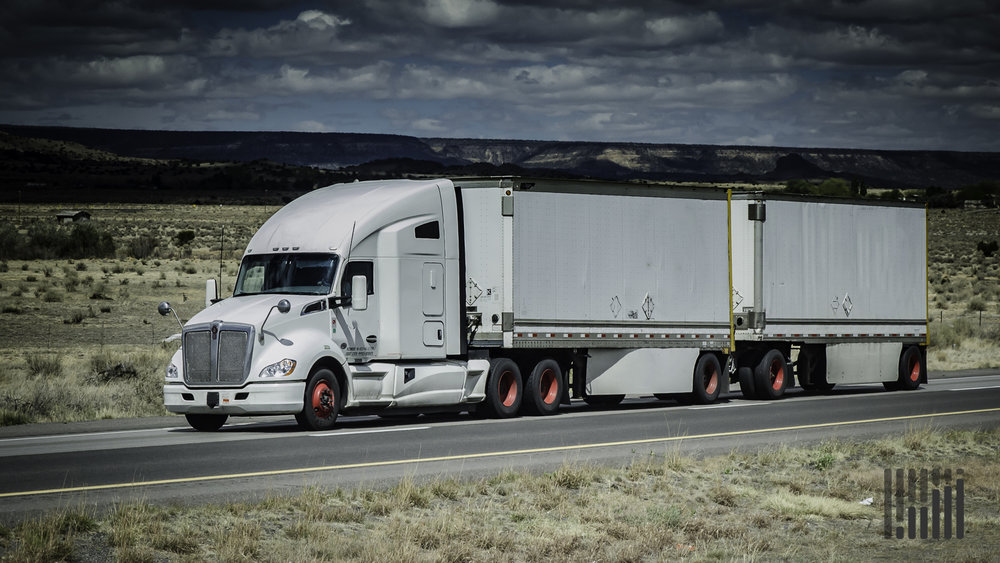 E-commerce has changed consumer buying habits, but it has also changed the supply chain for less-than-truckload carriers, who have had to adapt in various ways to keep pace. ( Photo: Jim Allen/FreightWaves )